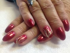 Red and gold. Gel nails for Christmas