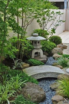 Japanese Garden Landscape, Small Japanese Garden, Japanese Garden Design, Japanese Gardens, Japanese Garden Backyard, Backyard Garden Design, Small Garden Design, Backyard Landscaping, Extra Small Garden Ideas