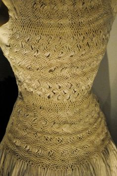 Sybil-Connolly-smocking-gown-2