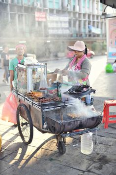 Street food in #Bangkok - one of the things I miss the most #food #travel #Thailand