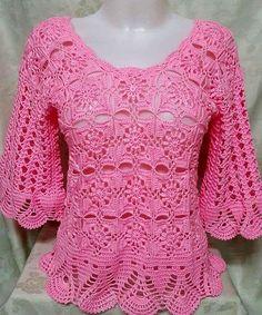 Como hacer una blusa tejida a crochet bellla y fácil. Linda blusa crochet, con diseño de mangas largas, combinando cuadrados calados. Los patrones y moldes, abajo de la foto del modelo. Esta blusa tiene un impresionante diseñoque quedará en la … Ler mais... →