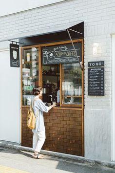 New design cafe exterior coffee shop ideas Small Coffee Shop, Coffee Store, Coffee To Go, Coffee Coffee, Happy Coffee, Coffee Bars, Coffee Drinks, Cafe Shop Design, Cafe Interior Design