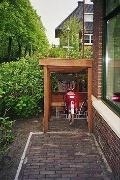 Fietsenberging met sedum: Willem van den Ham tuinontwerp, meubelontwerp, interieurontwerp en advies - Amsterdam, Waterland, Noord-Holland