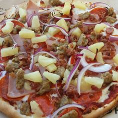 "New thin crust individual 10"" pizza from Oggi's. One of the best pizza places on the planet. Please enjoy responsibly! #alshaya #pizza #organic #glutenfree  www.oggis.com www.oggispizzaexpress.com"