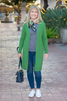35 Unique Cardigan Outfit Ideas That Combined With Dress To Maximizing Your Winter Style - Supermodels are so hot and fashionable all the time. What are the favorite outfits of them in winter? We can get the hint from their many street-style. Spring Fashion Casual, Spring Fashion Trends, Spring Outfits, Winter Fashion, Women's Fashion, Preppy Fashion, Jeans Fashion, Fashion Clothes, Winter Outfits