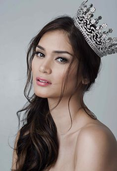 Miss Universe 2015 Pia Wurtzbach Miss Universe Philippines, Miss Philippines, Beautiful Celebrities, Beautiful People, Most Beautiful, Beautiful Moon, Miss Universe 2015, Filipina Beauty, Beauty Pageant