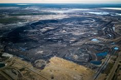 Pollution From Canadian Oil Sands Vapor Is Substantial, Study Finds - The New York Times