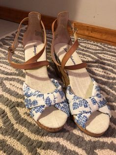 b7f6932611d (eBay link) Tommy Bahama Womens Sandels Size 7B  fashion  clothing  shoes