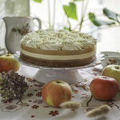 Raikas omena-pannacottakakku, gluteeniton