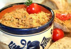Fűszeres-ízes tepertőkrém Hungarian Recipes, Hungarian Food, Picnic Foods, Macaroni And Cheese, Oatmeal, Cooking, Breakfast, Ethnic Recipes, The Oatmeal