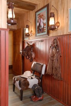 Western decor pictures shared boy and girl room in wills home office western bedrooms western homes cowboy bedroom western decor images Western Rooms, Western Bathrooms, Rustic Western Decor, Western Theme, Western Style, Country Decor, Farmhouse Decor, Western Bedding, Cowboy Theme