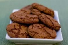 Molasses Spice Cookies I have made these MANY times and they are amazing. Normally, I think desserts without chocolate are a waste of time but THESE cookies are the exception! Köstliche Desserts, Delicious Desserts, Dessert Recipes, Yummy Food, Dishes Recipes, Ginger Molasses Cookies, Ginger Snap Cookies, Cookie Recipes, Baking Recipes