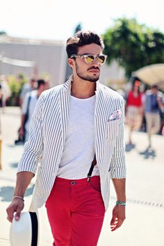 Mariano Di Vaio @ Pitti Uomo 84 - by Eleonora Sebastiani Rugged Style, Mens Fashion Quotes, Mdv Style, Street Style Magazine, Pink Chinos, Black Suspenders, Le Male, Herren Outfit, Red Pants