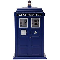 Buy the officially licensed Doctor Who TARDIS Projection Alarm Clock by Underground Toys at Interestingly Normal Geek Shop; the place to find your favorite alarm clocks from Doctor Who. We're fans too! The Tardis, Doctor Who Tardis, Doctor Who Logo, Diy Doctor, Tardis Blue, Dr Who, Objet Wtf, Arcade, Mugs