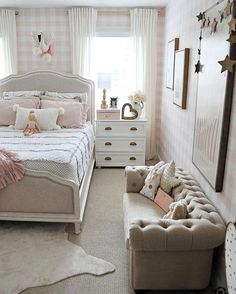 Beautiful Girls Bedroom Ideas for Small Rooms (Teenage Bedroom Ideas. Little Girl Bedroom Ideas For Small Rooms Small Girls Bedrooms, Teen Girl Rooms, Teenage Girl Bedrooms, Small Room Bedroom, Bedroom Decor, Small Bedroom With Couch, Bedroom Ideas For Small Rooms For Teens For Girls, Bedroom Girls, Small Sofa