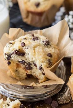 Bakery Style Chocolate Chip Muffins-- Part of The Best Chocolate Chip Recipes Muffin Recipes, Baking Recipes, Dessert Recipes, Microwave Recipes, Dessert Bars, Chocolate Chip Recipes, Chocolate Muffins, Chocolate Chip Bread Machine Recipe, Chocolate Chips