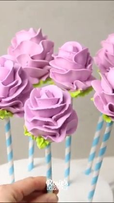 "Piping tips roses Video by . ""And the piped little beauties! I loved making these little rose cake pops. I know it is not for the faint hearted, that is A LOT of buttercream at once. If you are not keen on the buttercream frosting, you c Cake Decorating Videos, Cake Decorating Techniques, Decorating Tips, Cake Decorating For Beginners, Cake Decorating With Fondant, Cake Roses, Rose Cake, Roses Roses, Professional Cake Decorating"