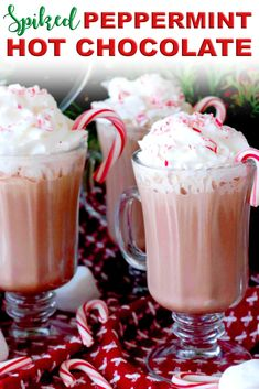 Make this easy spiked hot chocolate with tons of different options for spiking! Make this perfect holiday cocktail with Baileys and Kahlua, with whipped cream vodka, or try it with vanilla vodka and Kahlua! TONS more options ahead! Spiked Hot Chocolate, Chocolate Cocktails, Homemade Hot Chocolate, Hot Chocolate Recipes, Whipped Cream Vodka, Vanilla Vodka, Cocoa, Brunch, Winter Drinks