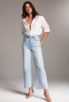 New Jeans Outfit Casual athletic fit jeans olive green pants Outfit Jeans, White Shirt Outfits, White Shirt With Jeans, Wide Pants Outfit, Cropped Jeans Outfit, Denim Outfits, Sporty Outfits, White Pants, Stylish Outfits