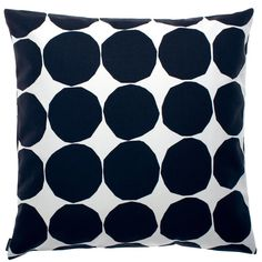 Give your living room a quick make over with the Pienet Kivet cushion cover by Marimekko. The pattern is a classic Marimekko design by… Marimekko, Large Throw Pillows, Modern Throw Pillows, Design Shop, Textiles, Handmade Pillows, Decorative Pillows, Decorative Objects, Cushion Covers