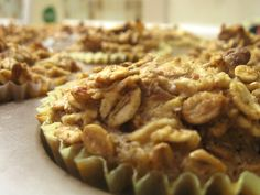 "Nutty Apple Cinnamon Oatmeal ""Muffins"""