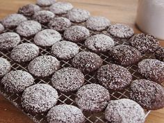 Ree's Brownie Cookies : Ree's Brownie Cookies are a chocolate lover's dream.