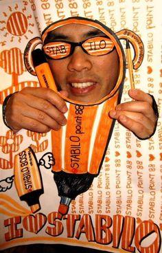 As listras nunca saem de moda, né? rsrs Ganhador semanal do Stripe Up Your Life. Ele mostrou seu estilo laranja e branco e levou pra casa 1 Sport Hocker.
