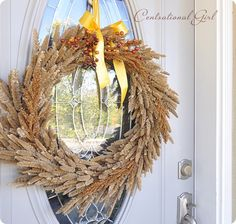 And to stir up your imagination of DIY Fall Wreaths we have this giant list of 116 DIY fall wreath ideas that you can easily make at home and give your doors Diy Fall Wreath, Autumn Wreaths, Wreath Crafts, Wreath Ideas, Wreaths For Front Door, Door Wreaths, Autumn Nature, Wreath Tutorial, Fall Crafts