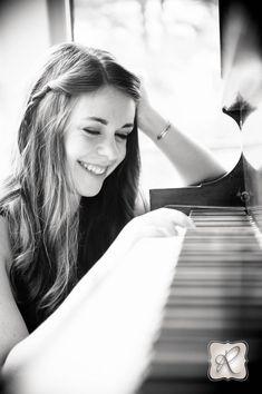 Senior Portrait / Photo / Picture Idea - Musician - Band - Piano