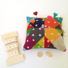 Make Pincushions 12 Darling Projects to Sew | Book Review