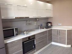 Modern Home Decor Kitchen Kitchen Room Design, Home Decor Kitchen, Interior Design Kitchen, Home Kitchens, Kitchen Wardrobe Design, Modern Kitchen Cabinets, Kitchen Modern, Contemporary Kitchen Design, Cuisines Design