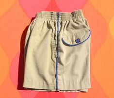 vintage 70s kid's shorts MIDDLEDALE khaki blue stripes piping moonrise kingdom Small 5 6 Kids Shorts, Gym Shorts Womens, Moonrise Kingdom, Vintage Shorts, Vintage 70s, Vintage Children, Blue Stripes, Jogging, Boy Or Girl