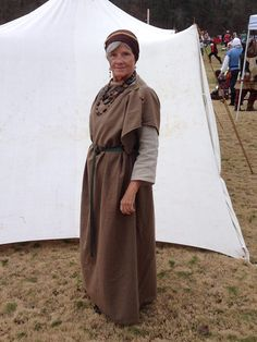 Handsewn woolen stola over natural linen underdress. Persona: Wife of a chieftain of the Durotriges ca 43 AD