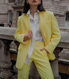 Inspo of the day: refreshing lemon tonic 🍋 I'm a big fan of mono looks, especially if we talk about bright, neon colours. It's definitely a… Neon Colors, Colours, Types Of Women, Looking For Women, Duster Coat, Lemon, Street Style, Fan, Pastels