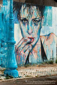 Lisboa, capital europea del arte urbano / Lisbon, european capital of Urban Art / Street Art Guide (Portugal) - via Ciudad-dormida 17.08.2016 | No cabe duda de que Lisboa se ha consolidado en estos últimos años como verdadera capital de arte urbano. Tanto es así, que algunas publicaciones especializadas la consideran la sexta ciudad del mundo con más y mejor arte urbano. Efectivamente, extraordinarios artistas portugueses y muralistas del todos los continentes han transformado la capital...