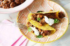 Eters vanavond? Zet het vlees 's middags in de oven, dan kan het 's avonds zo, hup, op tafel. Lekker makkelijk! - Recept - Allerhande