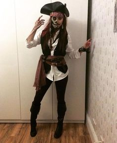 Captain Jack Sparrow JackSparrow Halloween CurseOfTheBlackPearl Pirate FancyDress Disfarces Halloween, Diy Halloween Costumes For Women, Halloween Outfits, Girl Costumes, Costumes Kids, Disney Costumes For Women, Mermaid Costumes, Princess Costumes, Easy Cosplay Costumes