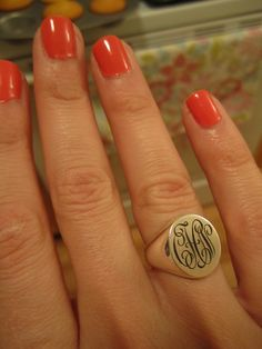 Love the orangey/coral nails and the gorgeous gold signet ring! Minimal Chic, Women Accessories, Jewelry Accessories, Jewelry Design, Ring Set, Signet Ring, Monogram Initials, Diamond Are A Girls Best Friend, Nail Colors