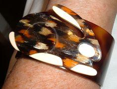 LEA STEIN Rare tortoise bunny rabbit cuff bangle bracelet xxl size celluloid #leastein #Cuff