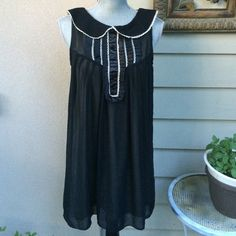 Forever 21 Vintage Black Dress. Very good condition.  Very light and comfortable. Beige Lining .Can be worn for all occasions. Fits perfectly S/M sizes. Forever 21 Dresses Midi
