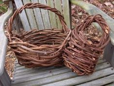 MAKING A BASKET FROM GRAPEVINES