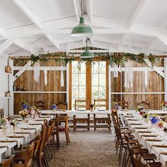 W E D D I N G 🌿How about this reception setup! 😍 This GORGEOUS wedding is filled with colourful florals, crisp whites and a fusion of chic, vintage, rustic & bohemian styling (it's simply perfect!) Check it out at www.paperandlace.com (or via link in profile) 🌙 . CREDITS photographer @courtneyhorwood_photo | Stylist @the_heirloom | Flowers Nicky Richter | Venue @oldforestschool | Catering @tagburger | Dress @kellylincouture | Celebrant Christine Grant |Cake @cakesbybexx