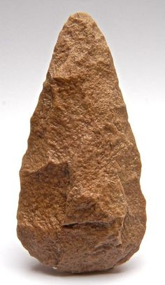 Paleolithic Biface made out of quartzite - 14.5 cm