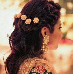 Wedding hairstyles indian engagement hindus 23 New ideas Lehenga Hairstyles, Hairstyles For Gowns, Open Hairstyles, Braided Hairstyles For Wedding, Creative Hairstyles, Bride Hairstyles, Indian Hairstyles For Saree, Messy Hairstyle, Wedding Braids