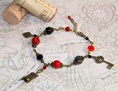 Black and Red bracelet for red wine lovers by CrazySmykker on Etsy, kr120.00