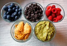I've been getting some requests and concerns about healthy snacking. Specifically healthy snacking on the go! There's so many snacks on the market today but not all are created equal. When you walk down the grocery store aisles and are [. Healthy Snacks, Healthy Eating, Healthy Recipes, Yummy Snacks, Healthy Habits, Easy Recipes, Clean Eating, Snack Recipes, Cooking Recipes