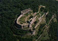 Hiking the citadel in Deva, Romania Costume Castle, Transylvania Romania, The Beautiful Country, Mountain Resort, World Heritage Sites, Devon, Countryside, City Photo, Places To Go