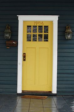 37 Ideas Exterior Paint Colors For House Trim Navy Blue Dark Blue Houses, Grey Houses, Yellow Front Doors, Front Door Colors, Red Doors, Exterior Paint Colors For House, Paint Colors For Home, Navy House Exterior, Paint Colours