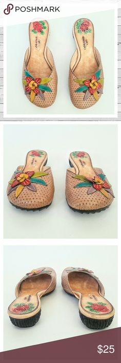 Like New! Via Veneto Leather Mules Sz 7 These are just adorable! Hand painted sole. Leather upper. Really great near new condition! Bundle and save!  Sorry no trades. Via Veneto Shoes Mules & Clogs