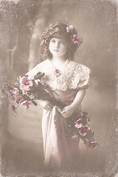 Beautiful!! (free digital vintage photo blog)